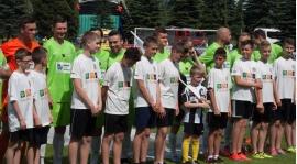 Orliki KS Gorc Ochotnica wyprowadzili na boisko piłkarzy pierwszoligowej drużyny - fotorelacja