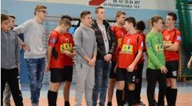 Drużyny juniorskie grają w turniejach halowych