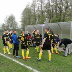 Przegrana ze Sklejką Orzechowo 2-3 17.04.2016r.