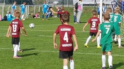 Grali najmłodsi piłkarze Wierzycy...