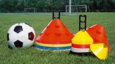 Treningi szkółki piłkarskiej w MAJu