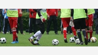 Juniorzy rozpoczęli treningi - wtorek - czwatek - godzina 17:30 - boisko w Szczawnie