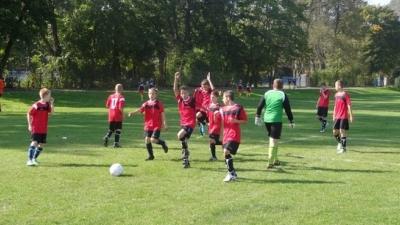 Trampkarz: Małe Derby na remis z Serokomlą