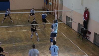 Siatkarze Orła drudzy w turnieju w Kielnarowej