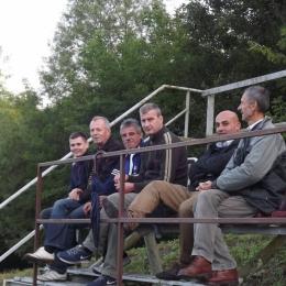 Na Naszym stadionie czasem pojawiają się byli reprezentanci Polski:) Tutaj Marek Podsiadło (Widzew Łódź, Cracowia) - trzeci z prawej. foto Paweł Grzywacz