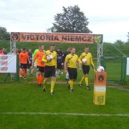 10.09.2017: Victoria Niemcz - Zawisza 0:7 (klasa A)