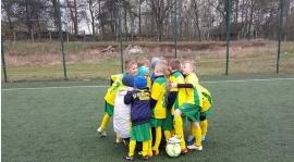 Dziś nasi chłopcy grali mecz z Gielniowem .