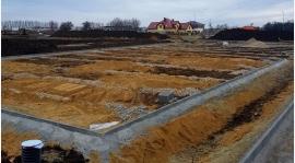 Powoli powstaje nowe boisko dla Polonii!