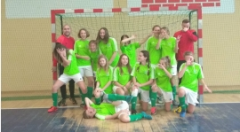 Juniorki młodsze na turnieju w Grodkowie