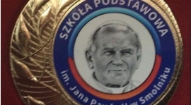 """Jubileusz  """" Nadania imienia Jana Pawła II Szkole Podstawowej w Smolniku """""""
