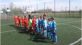 Szkółka - dużo meczy młodych piłkarzy