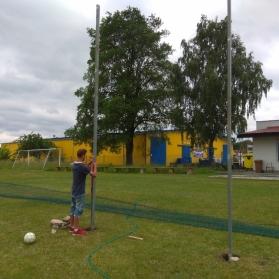 Wertykulacja i montaż piłkochwytu