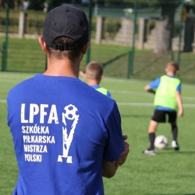 Trening dziecięcych sekcji piłkarskich - od skrzata do młodzika