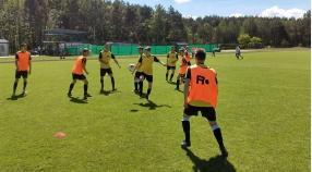 Juniorzy mecz na szczycie w Grzegorzewie