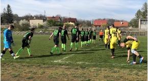 Pierwsze zwycięstwo Unii na wiosnę, Unia - Błękitni Słotwina 3:0