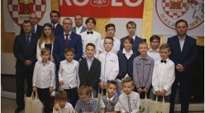 Wigilia Bożego Narodzenia drużyn młodzieżowych MKS Olimpii Koło  2018 [VIDEO]