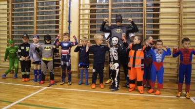 Trening superbohaterów w Łomnicy