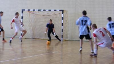 TW- Krzywa Góra 15-1  (5-0)