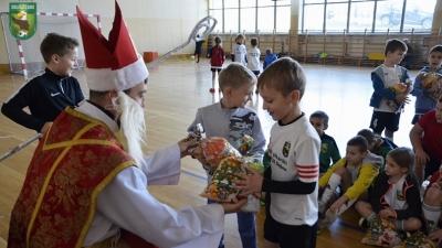 Turniej Mikołajkowy żaków i skrzatów