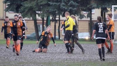 Pogoda wygrała z futbolem