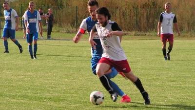 Victoria Laski - Korona Pogoń Stawiszyn 0:2 (0:1)