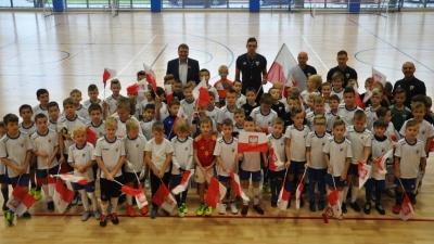 """Piknik Piłkarski 100 flag na 100 lat"""