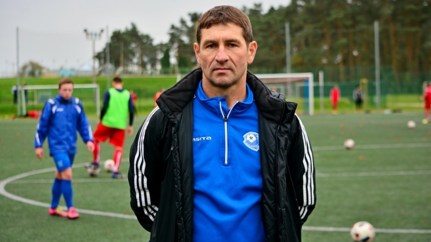 Sławomir Suchomski pozostaje trenerem seniorów