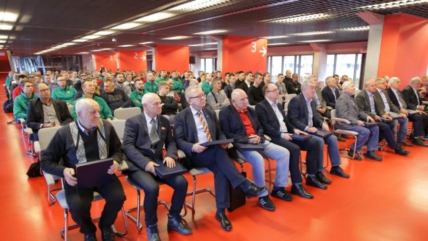 Konferencja szkoleniowa Podlaskiego Związku Piłki Nożnej. Wśród prelegentów Czesław Michniewicz
