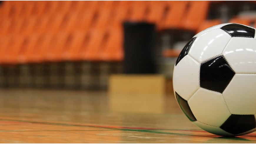 Treningi ORLIKÓW i ŻAKÓW na hali sportowej w Ciężkowicach