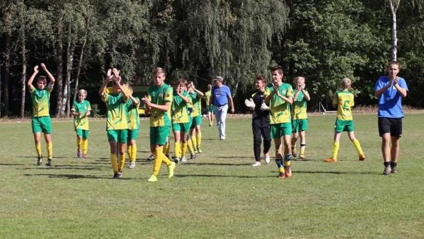 Ależ twardy mecz walki.    MUKS Akademia Tuszyn - Sport Perfect   0:3