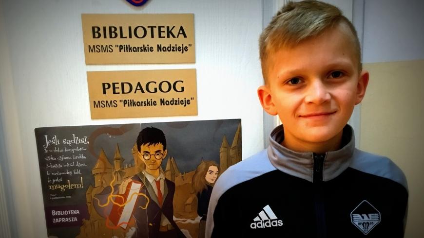 Maciej Czajokowski z klasy piątej laureatem konkursu plastycznego