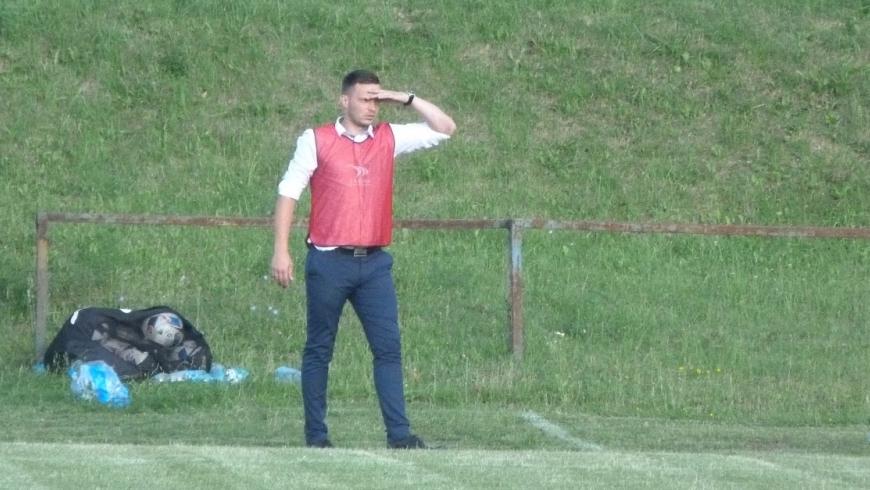Rezerwy z nowym trenerem wznowiły treningi