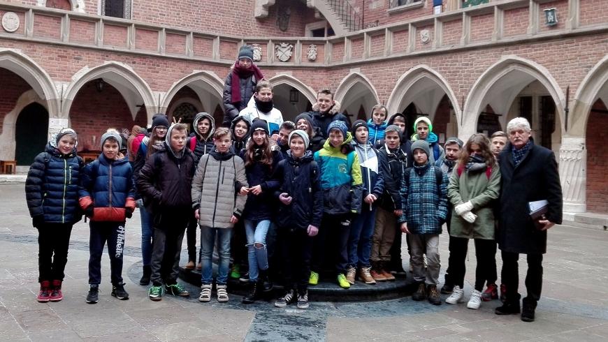 Uczniowie MGMS PIŁKARSKIE NADZIEJE uczyli się chemii na Uniwersytecie Jagiellońskim