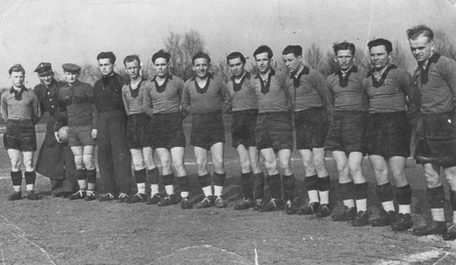 Drużyna Zawiszy, która wystąpiła w remisowym meczu z bydgoską Gwardią (27.03.1949).